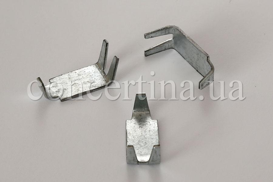 Standard clip for barbed wire Concertina